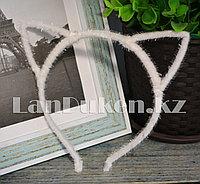 Ободок для тематических праздников кошачьи ушки (белый)