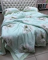 Комплект постельного белья тенсель с утеплённым одеялом и цветочным принтом