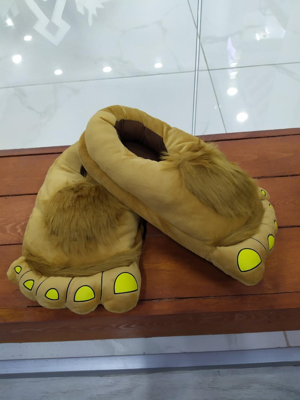 Тапки нога великана