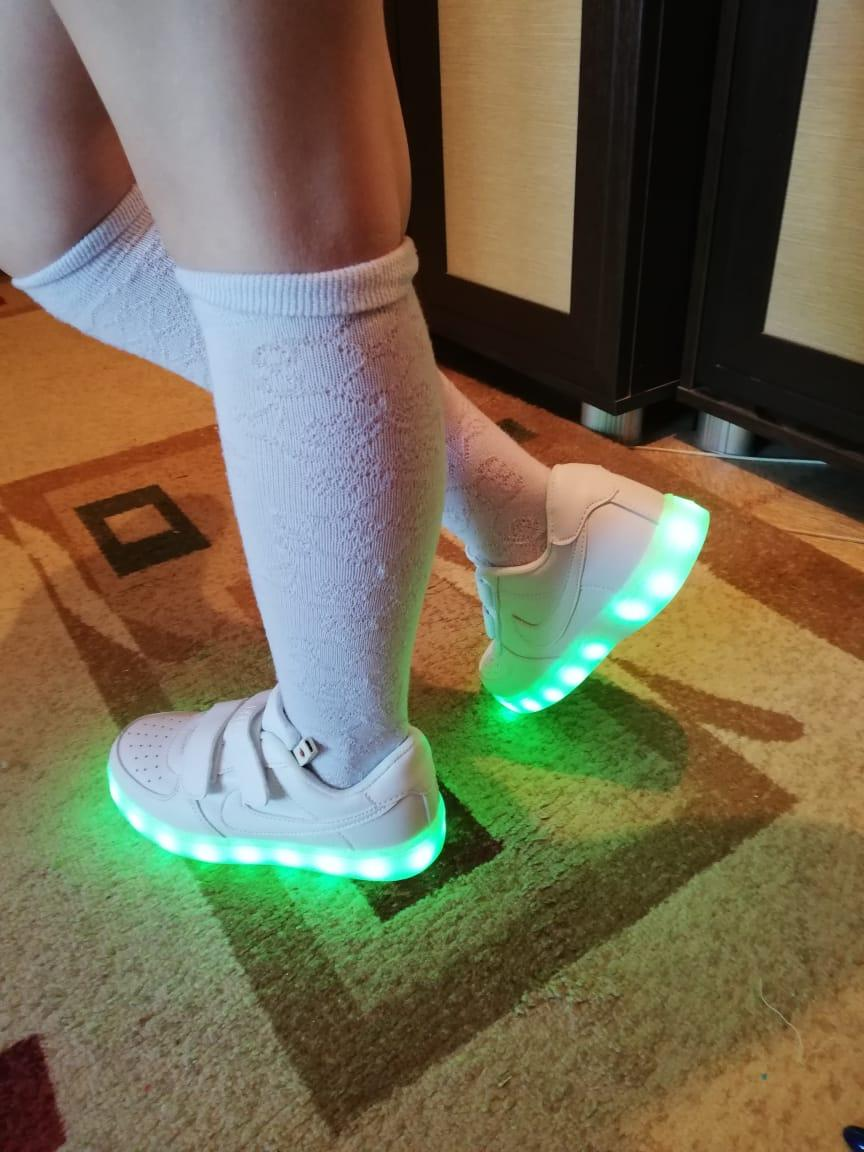 Белые светящиеся кроссовки NIKE - фото 5