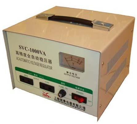 Стабилизатор напряжения   SVC -1000  1 кВт