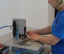 Перфоратор-обрезчик угла ежедневника PN-2 с пневмо-приводом