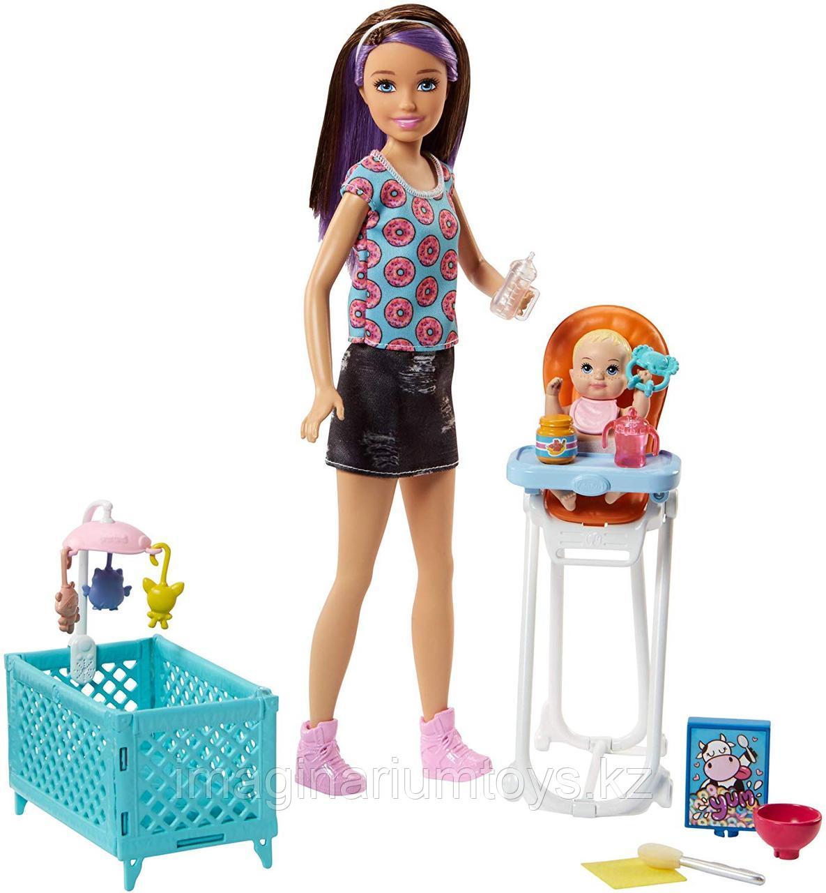 Барби Няня игровой набор с малышом и аксессуарами