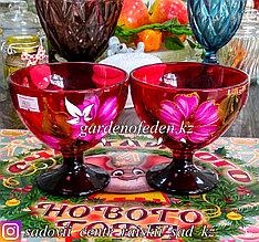 Креманка, на ножке, из цветного стекла с декором. Цвет: Красный. Набор: 2 штуки.