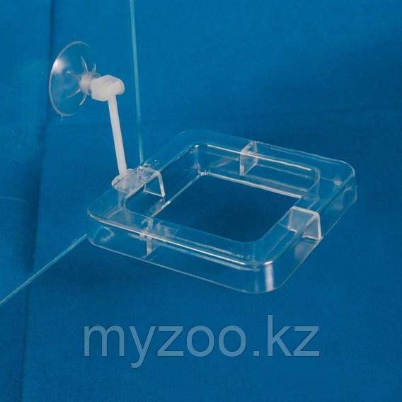 Пластиковая кормушка для рыб. Квадратная.. 7 × 7 cm