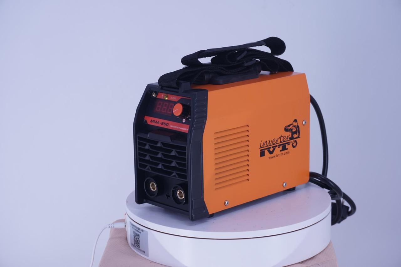 Сварочный инверторный аппарат IVT MMA-250