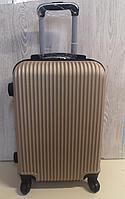 Большой  чемодан, пластиковый, золото