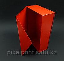 Подарочная коробка. Крышка с магнитным клапаном