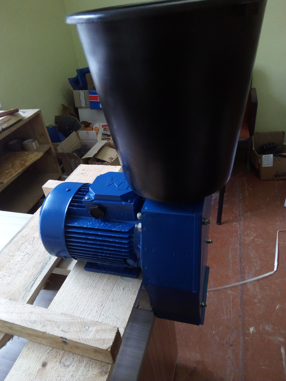 Зернодробилка Эликор 3 до 350кг зерна в час на 380В