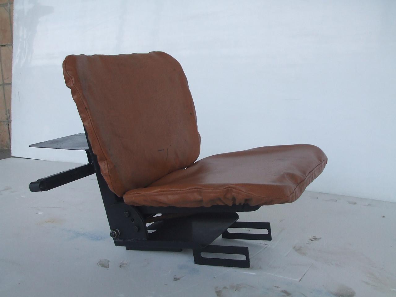 Сиденье для мототрактора (мягкое на аммортизаторе)