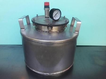 Автоклав бытовой 8 пол.литр., из нержавеющей стали для домашнего консервирования