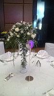 Букеты из белых роз и лизиантусов, фото 1