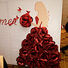 Пресс стена из бумажных цветов на Қыз Ұзату