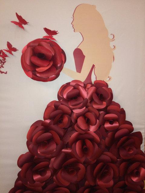 Пресс стена из бумажных цветов на Қыз Ұзату 6