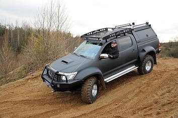 Передний силовой бампер с кенгурином алюминиевый б/у - Toyota Hilux Arctic Trucks