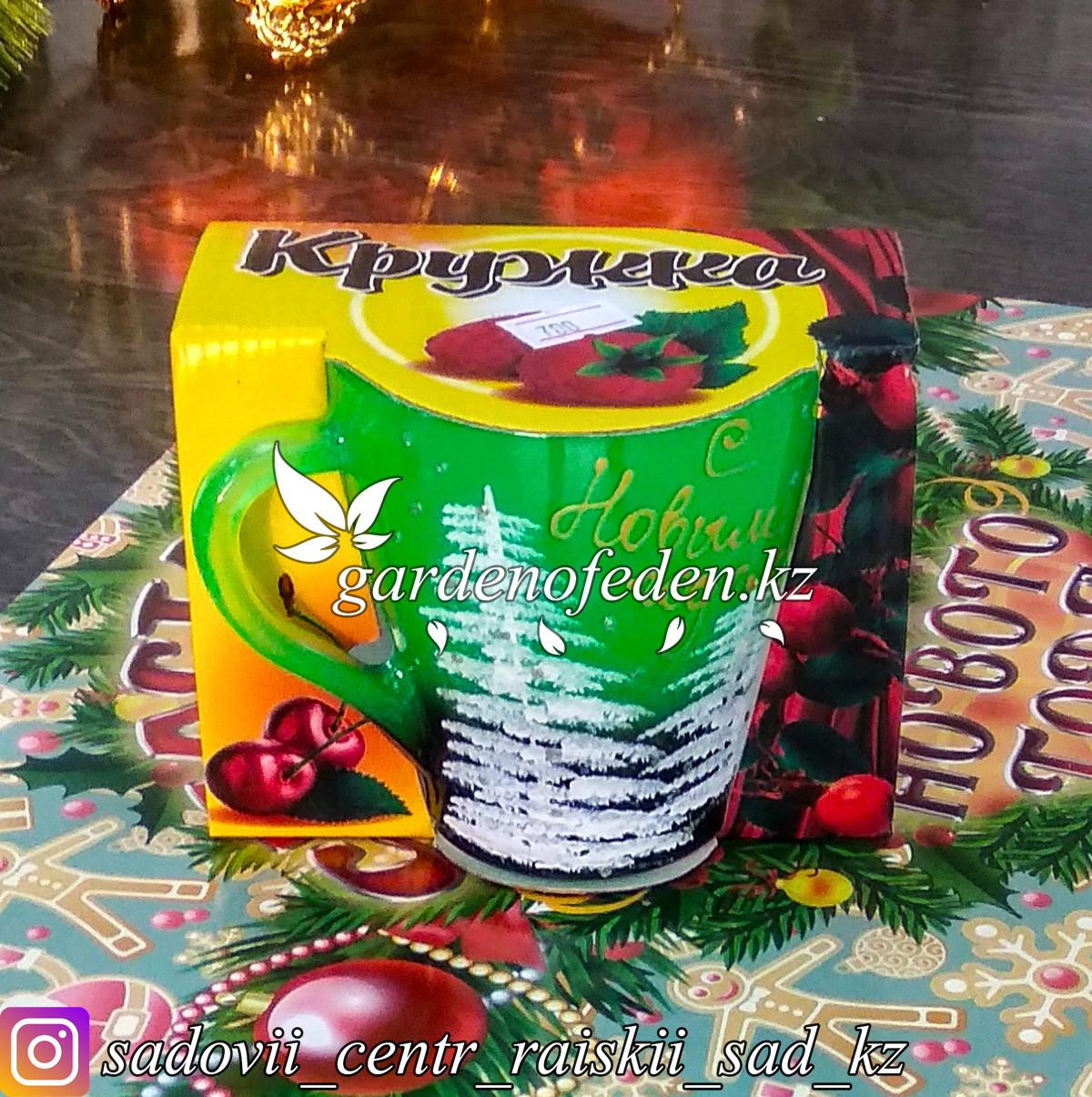 Кружка из цветного стекла с декором. Картонная упаковка. Цвет: Зеленый.