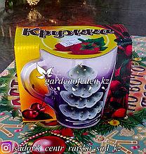 Кружка из цветного стекла с декором. Картонная упаковка. Цвет: Фиолетовый.