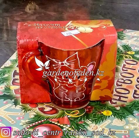 Кружка из цветного стекла с декором. Картонная упаковка. Цвет: Оранжевый., фото 2