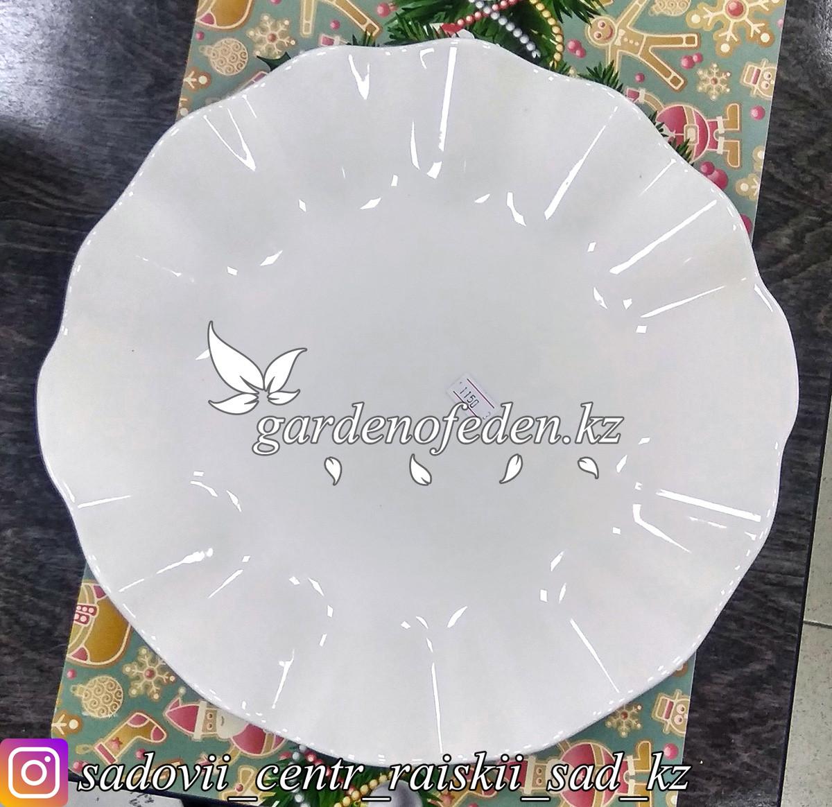 Тарелка десертная, большая, фигурная. Цвет: Белый. Материал: Керамика.