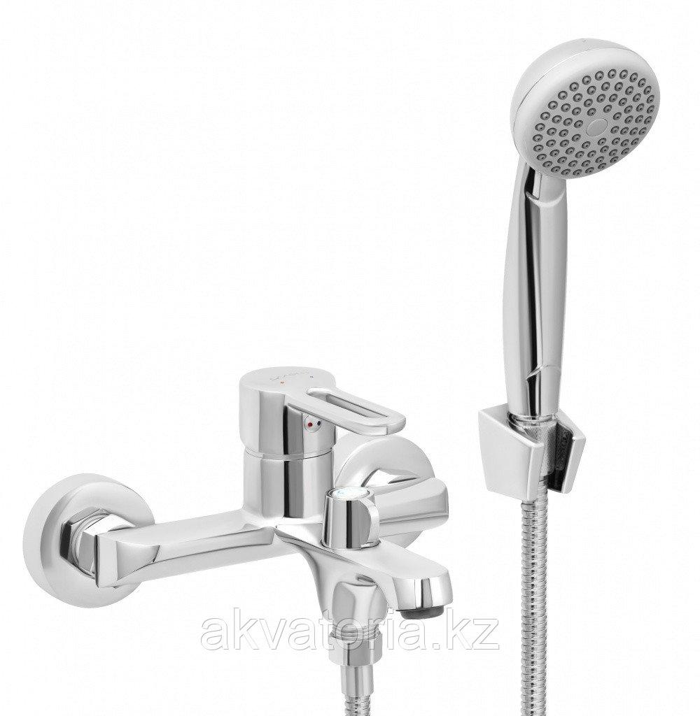 СЛ-ОД-Т30 Смеситель для ванны с корот. литым изливом, переключатель кноп., комплект, одноручный Т30