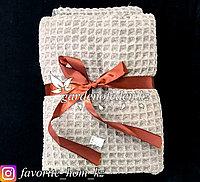 Подарочный комплект полотенец. Материал: Махровая ткань. Цвет: Коричневый.