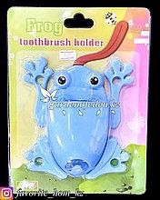 """Держатель для для зубных щеток/пасты, настенный """"Лягушка"""". Материал: Пластик. Цвет: Голубой."""