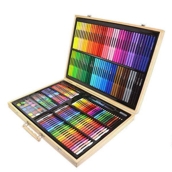 Набор для рисования содержит 251 предмет для художественного творчества.