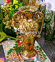 """Ваза керамическая, с декором """"Мадонна"""". Цвет: Золотой."""