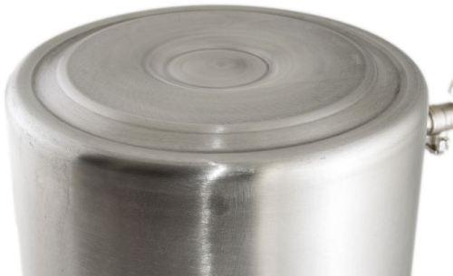 Прочное дно позволяет использовать автоклав на всех видах плит