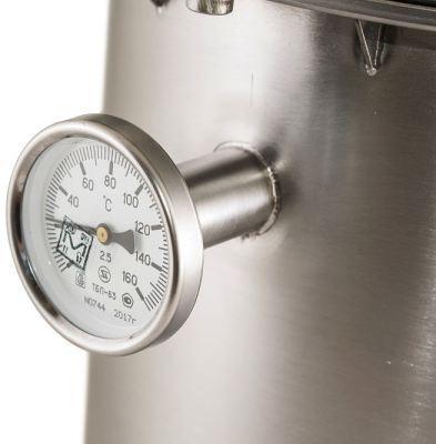 """Благодаря точному термометру на баке автоклава """"Ханхи"""" не составит труда поддерживать оптимальную температуру для приготовления консервов"""
