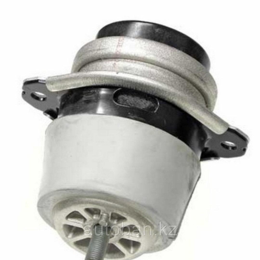 Подушка двигателя Volkswagen Touareg