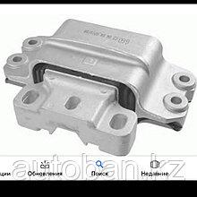 Подушка двигателя левая Volkswagen Golf 5