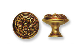 Ручка-кнопка, *Louis XV* D25мм, латунь пат., винт