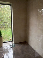 Реконструкция ванной комнаты с витражным окном. Размер = 4,3 х 3,8 х 3,3 м. Адрес: г. Иссык. 10