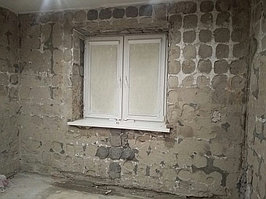 Реконструкция ванной комнаты с витражным окном. Размер = 4,3 х 3,8 х 3,3 м. Адрес: г. Иссык. 31
