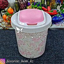 Корзина для мусора, с декором. Материал: Пластик. Цвет: Белый/Розовый. Объем: 12л.