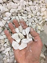Белая мраморная крошка щебень