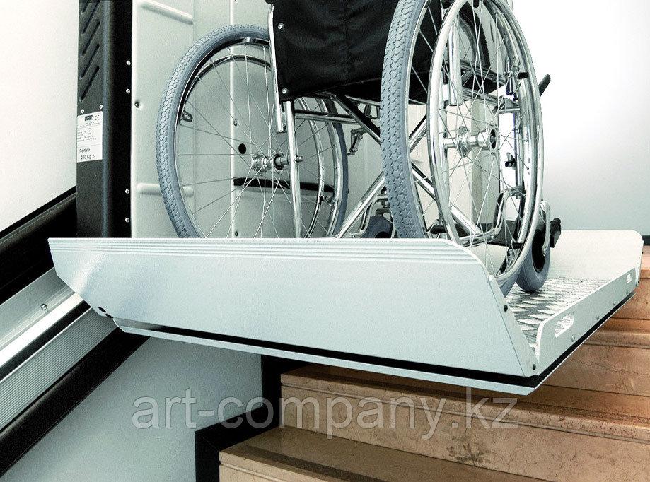 Лестничный подъемник инвалидный