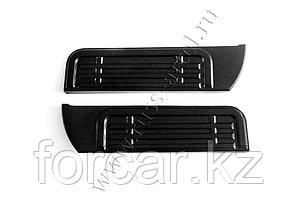 Накладки на металлические пороги Mitsubishi L200 2007-2013