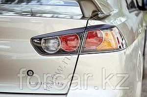 Накладки на задние фонари  Mitsubishi Lancer X 2007-2010