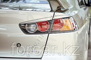 Накладки на задние фонари  Mitsubishi Lancer X 2011-