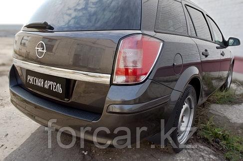 Накладка на задний бампер Opel Astra универсал 2006-2012, фото 2