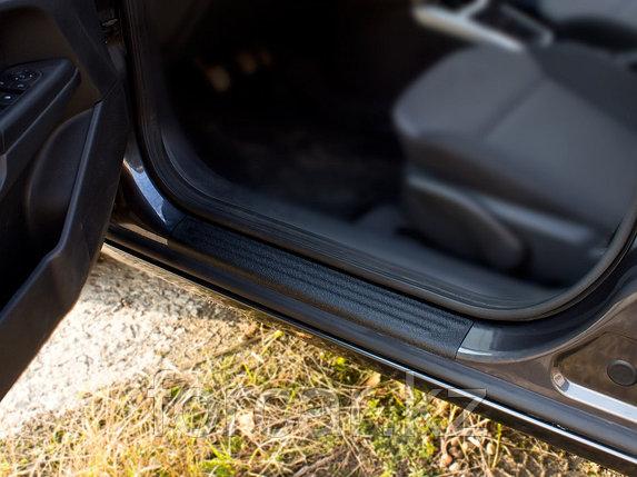 Накладки на внутренние пороги дверей Opel Astra универсал 2006-2012, фото 2