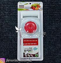 Терка со сменными лезвиями-кассетами. Материал: Пластик. Цвет: Белый/Красный.