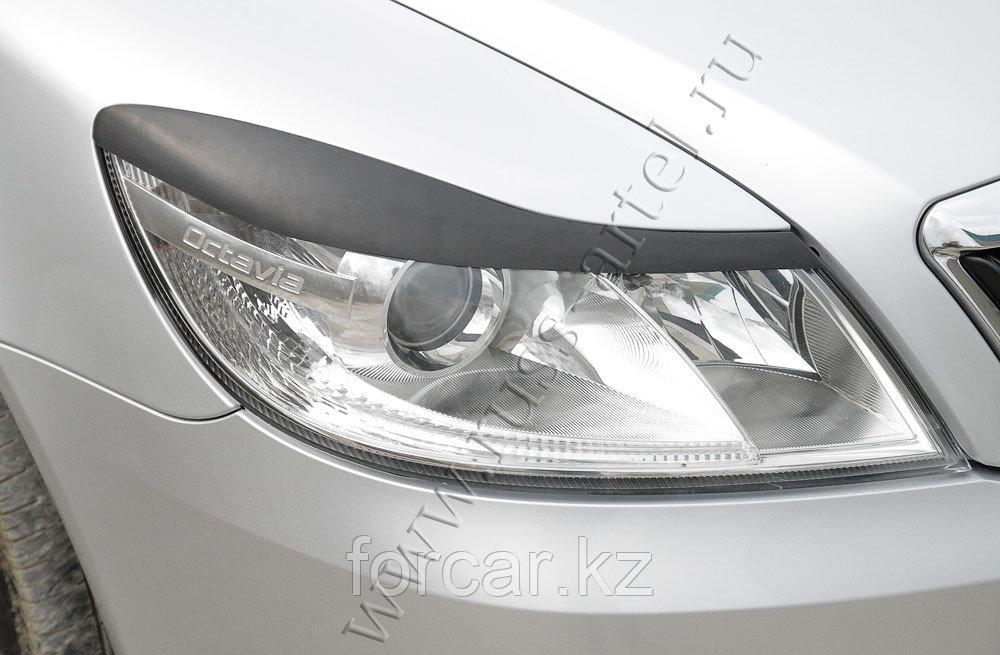 Накладки на передние фары (реснички) Skoda Octavia 2008-2013