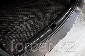 Накладка на порожек багажника (2 мм.) Renault Duster 2010-