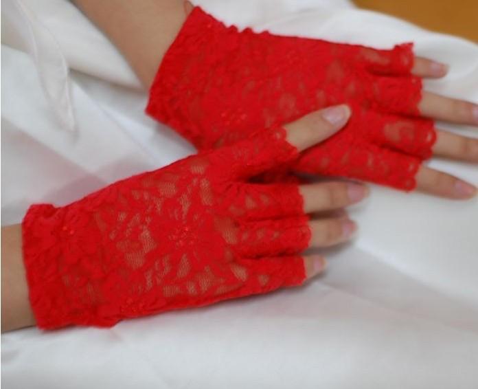 Ажурные перчатки с открытыми пальчиками, красные