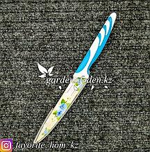 Нож кухонный, с ножнами, с декором. Материал: Металл/Пластик. Цвет: Голубой/Белый.