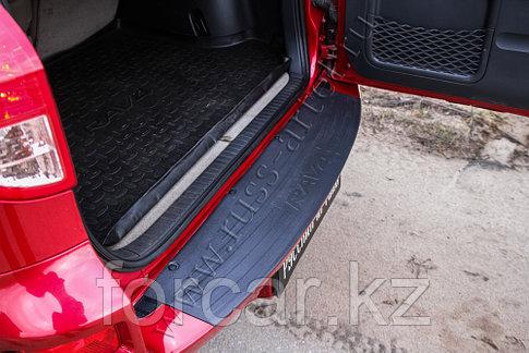 Накладка на задний бампер Toyota Rav4 2006-2010, фото 2