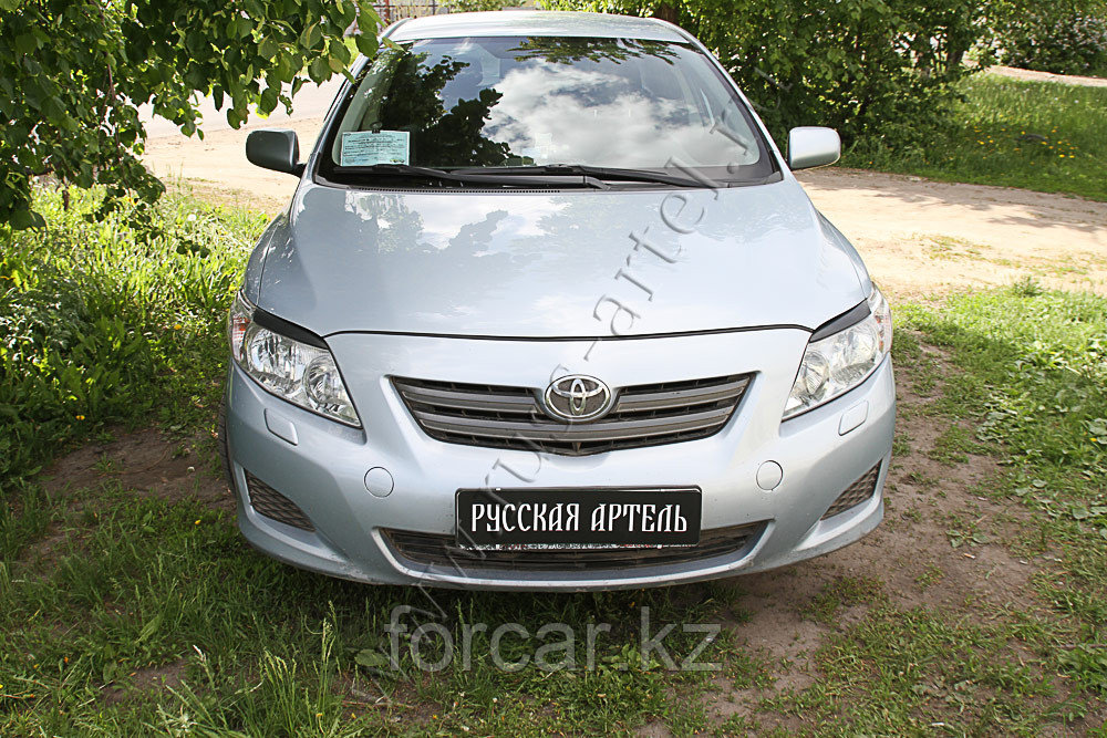 Накладки на передние фары (Реснички) Toyota Corolla SD 2007-2010